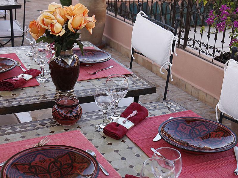 Séjour en famille ou entre amis, vous pouvez privatiser le Riad AYA pour faire de votre voyage à Marrakech, et de votre séjour au Riad,